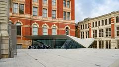 London: Victoria and Albert Museum