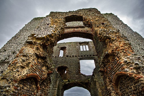 Internal gatehouse