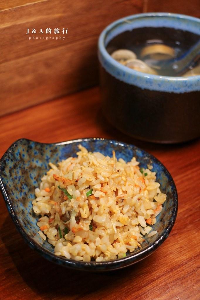 大黑料理亭。東區超人氣居酒屋推出鐵板燒結合日本料理的全新享受,給你雙重日式美食饗宴【東區美食/市民大道美食】 @J&A的旅行