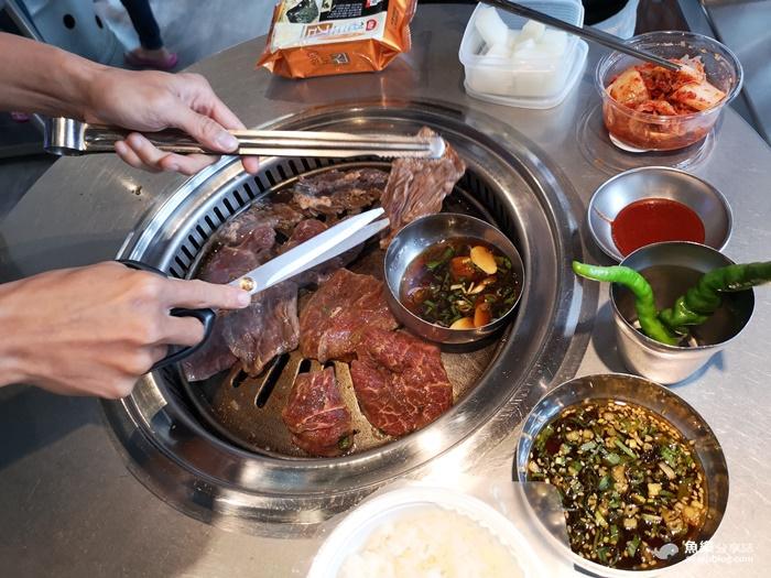 【台北信義】新村站著吃烤肉|正宗韓國鐵桶燒肉 @魚樂分享誌