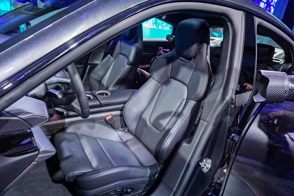 Porsche 201203-10