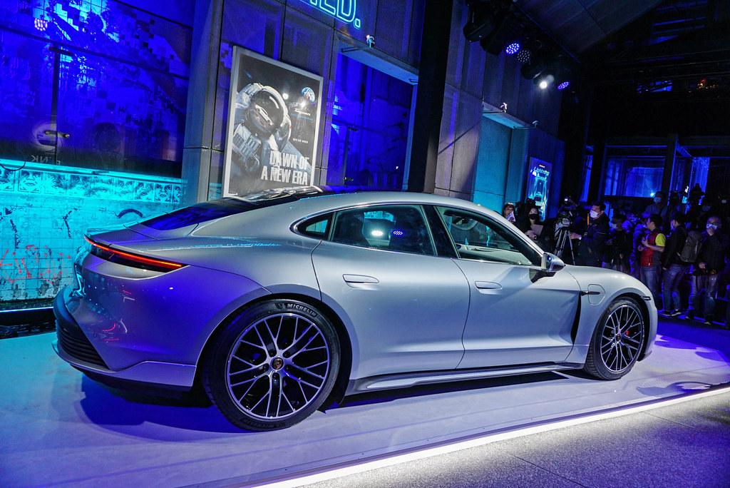 Porsche 201203-8