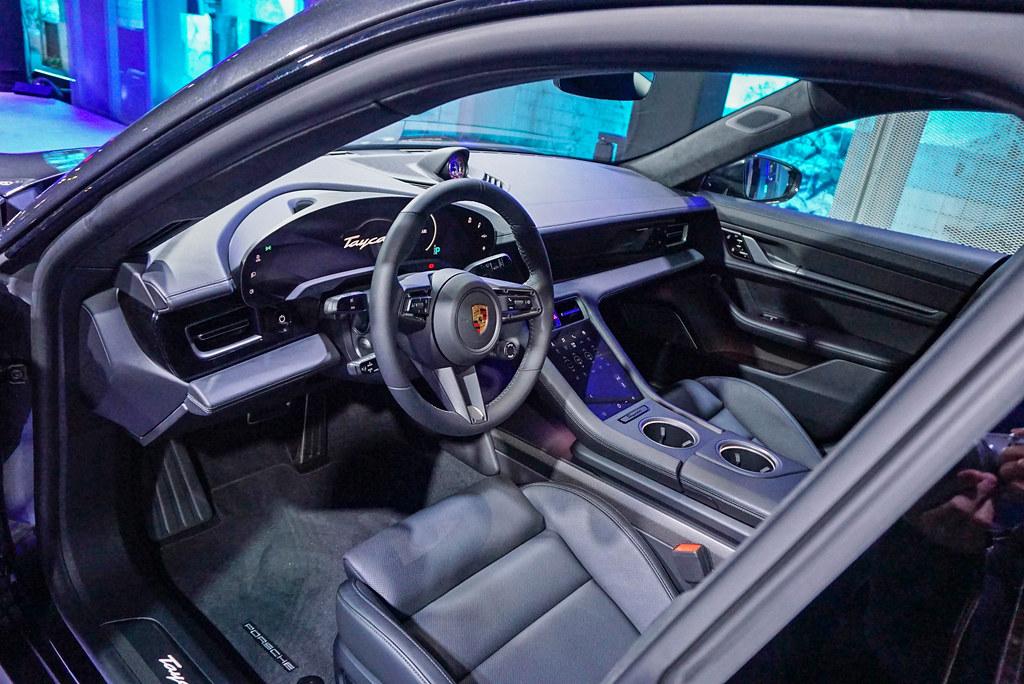 Porsche 201203-9