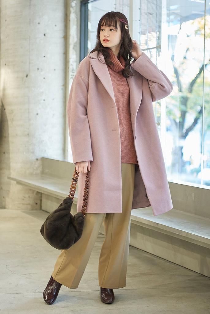 GU網路商店「1212年終狂歡節」推出多款獨家優惠,女裝羊毛混紡大衣「潮暖心」期間限定價$1,212元。
