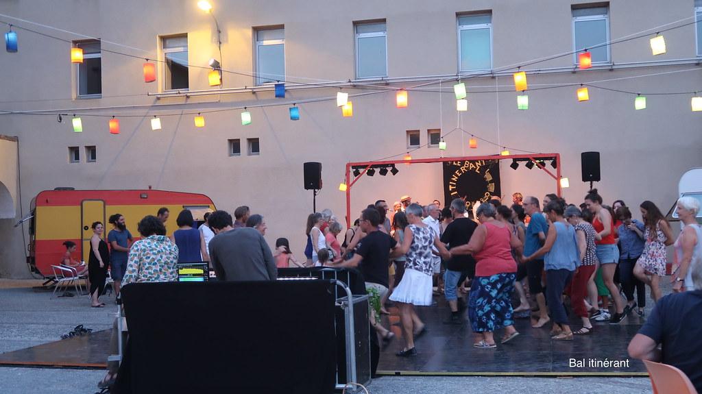 Bal itinérant - Danse collective