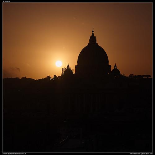 sunset - St. Peter's Basilica, Roma, It.