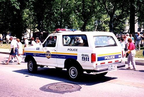 Philadelphia PA Police - Unit G39 - 1990 Ford Bronco - refurbished in 1999 (1999 photo) 8