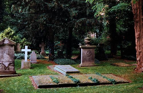 "Kloster Uetersen 1996 (01) Jungfernfriedhof • <a style=""font-size:0.8em;"" href=""http://www.flickr.com/photos/69570948@N04/50746889107/"" target=""_blank"">View on Flickr</a>"