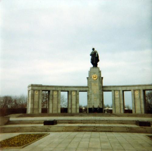 Berlijn, Sovjet Gedenkteken (Tiergarten), 1983