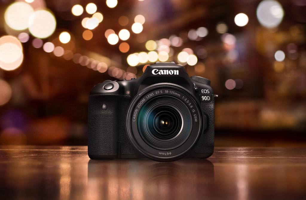 05_慰勞自己的大好時機,購買EOS 90D與EF-S 18-135mm IS USM鏡組即贈送EF 50mm F1.8 STM鏡頭。