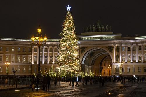 The main Christmas tree of Saint-Petersburg