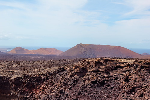 View over the lava field to Montaña Tremsana