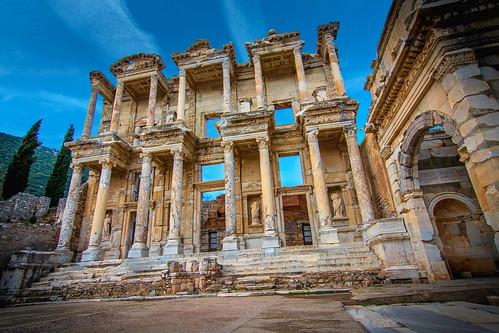 Efes Antik Kenti Celsus Kütüphanesi (Ephesus Ancient City Celsus Library)