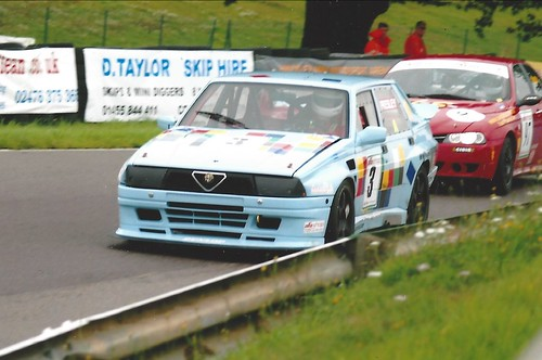 Graham Presley leads Neil Smith at Mallory 2006