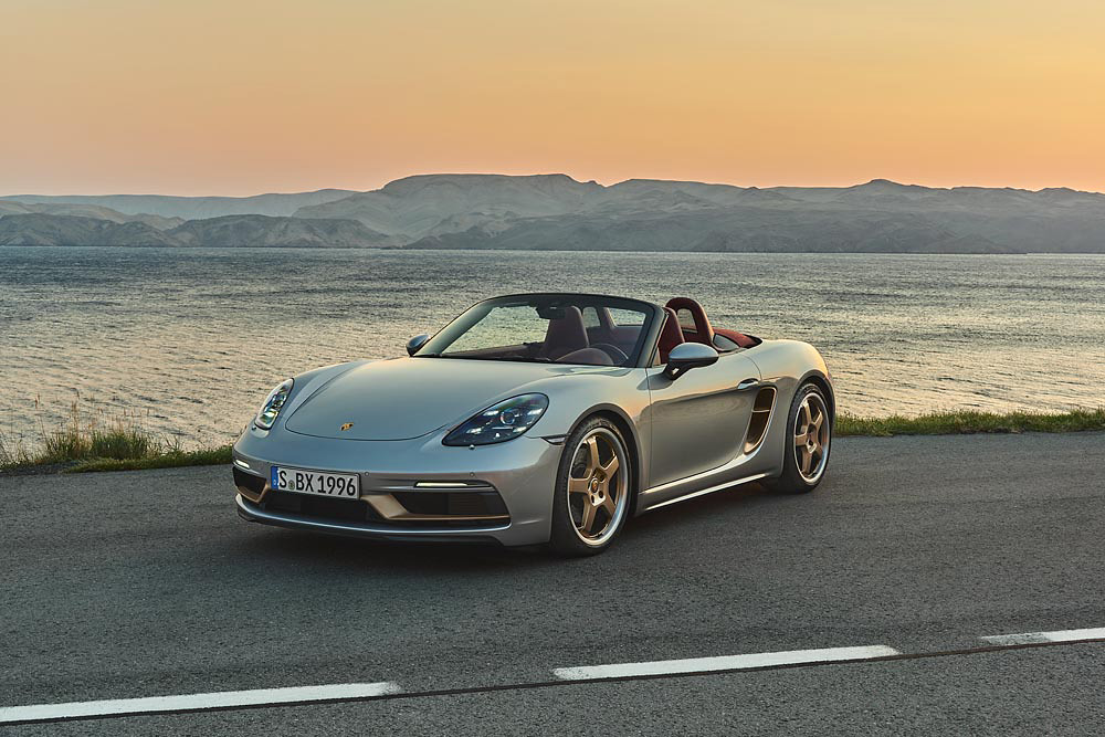 Porsche 210113-1