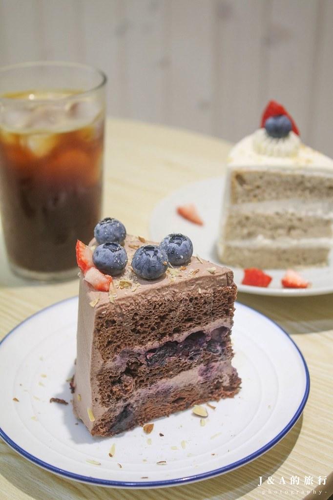 Wanaka Coffee。只有3組座位的清新甜點咖啡館,伯爵奶茶戚風蛋糕濕潤柔軟不甜膩 @J&A的旅行