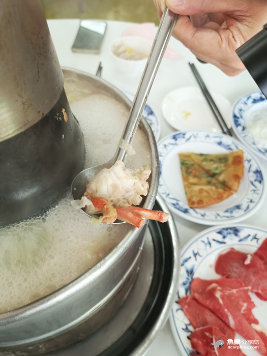 【台北大安】台電勵進餐廳|被酸菜白肉鍋耽誤的蔥油餅店 @魚樂分享誌