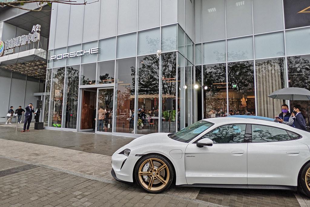 Porsche 210122-17