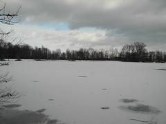 Autobahnsee an einem Sonntag im Januar