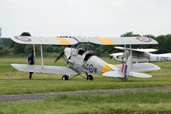 Photo of T5879 (G-AXBW) 1940 DH82A Tiger Moth White Waltham 17.05.14