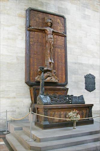 Le Crucifié de F. Bilek (cathédrale de Prague)