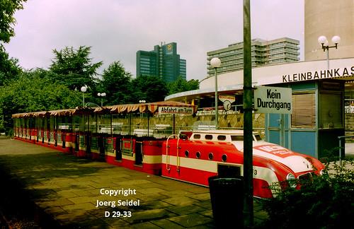 DE-44139 Dortmund Westfalenpark  Intamin Kleinbahn mit Porschelok Zug 3 im Juli 1988