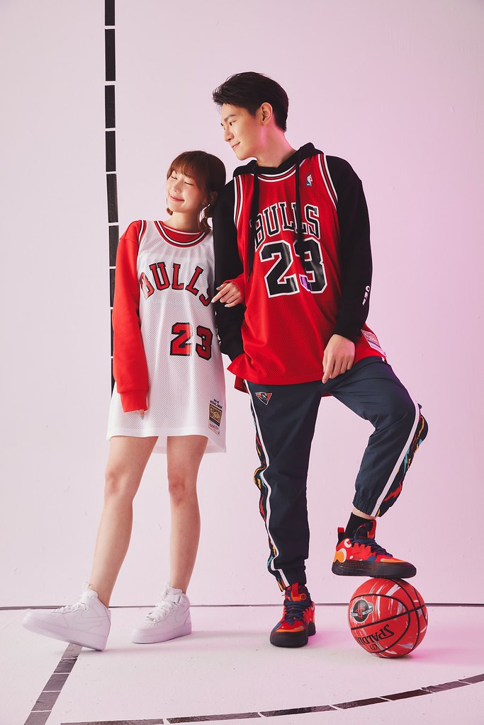 NBA Store Taiwan福牛迎春!球迷必備走春款、穿出滿滿潮流年味。