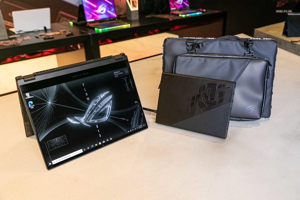 翻轉電競筆電ROG Flow X13可應用於多種情境,選配ROG XG外接顯示卡帶來爆發性遊戲效能!
