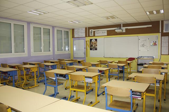 Remplacement de l'éclairage dans les salles de classe