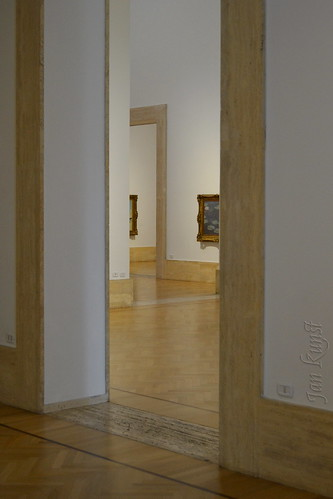 Entering the Labyrinth of Art