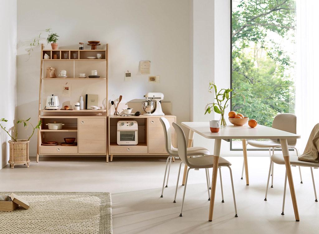 03-廚房用具歸納需求,就交給Rema系列落地儲物架,結合抽屜、門板櫃、間隔層板等各式收納設計,不管個人咖啡廳還是微醺小酒吧,輕鬆經營屬於自已的空間氛圍