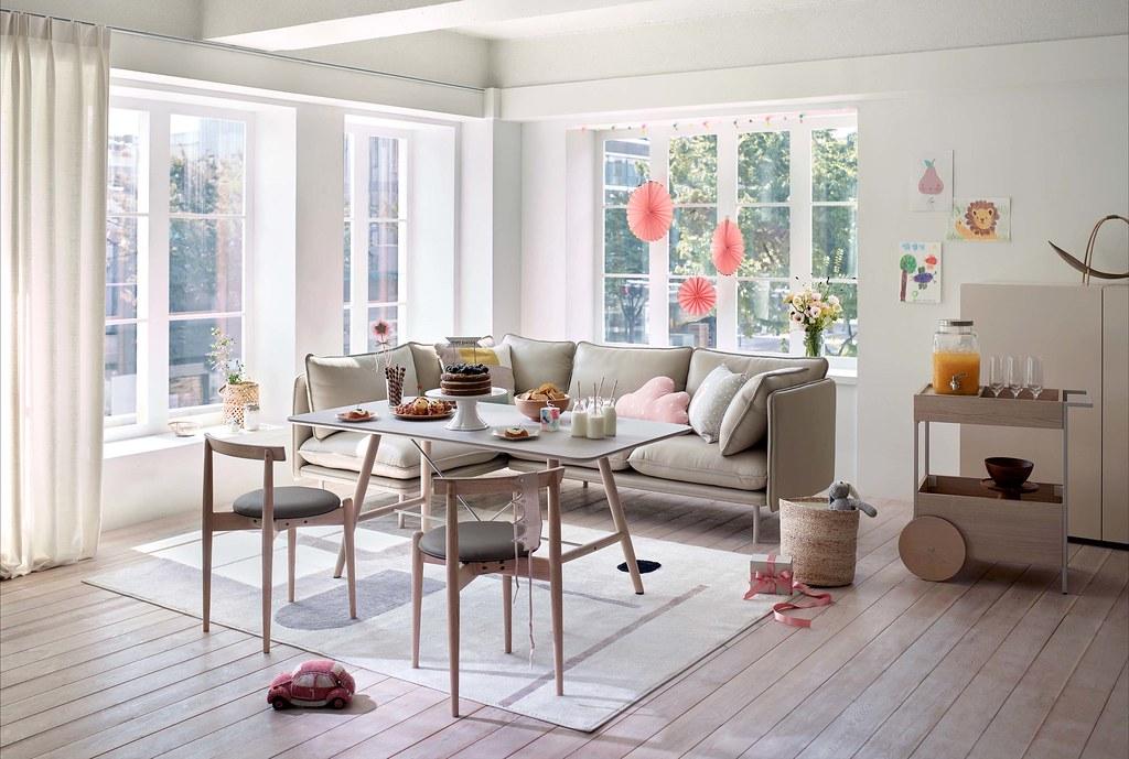 05-新春團圓,就選iloom怡倫家居 Luova系列沙發,可依空間、人數變換座位規劃,還能挑選同系列長凳搭配,盡情享受歡聚時光。