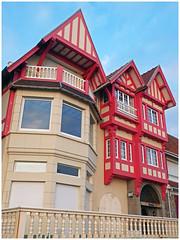 Maison rouge.