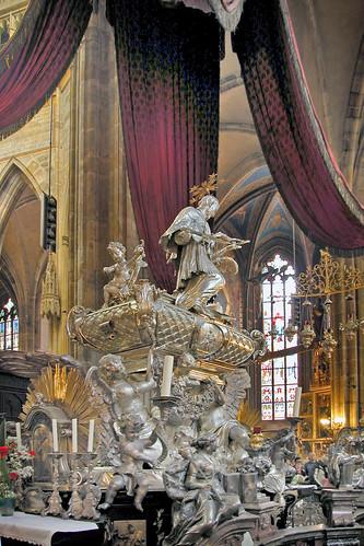 Le tombeau de Saint Jean Népomucène (Prague)