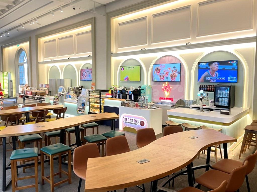 奇美博門市為台南首家「7-ELEVEN X COLD STONE複合店」,選定在富有藝術氣息的台南奇美博物館內