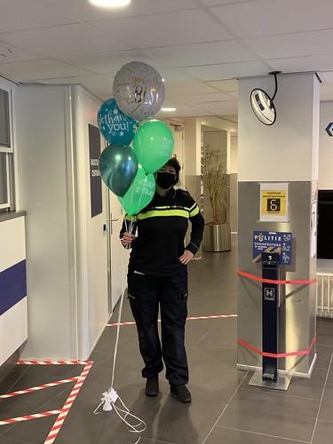 Ballonboeket Bedankt Sterker door Strijd Politie Hoofdbureau Doelwater Rotterdam