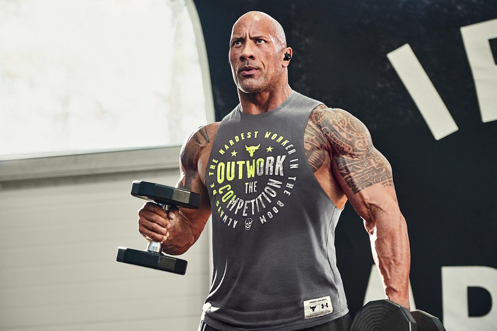 UA攜手好萊塢悍將 巨石強森The Rock推出硬派風格訓練服飾,展現STRENGTH IS A STATE OF MIND 練就強大意志。