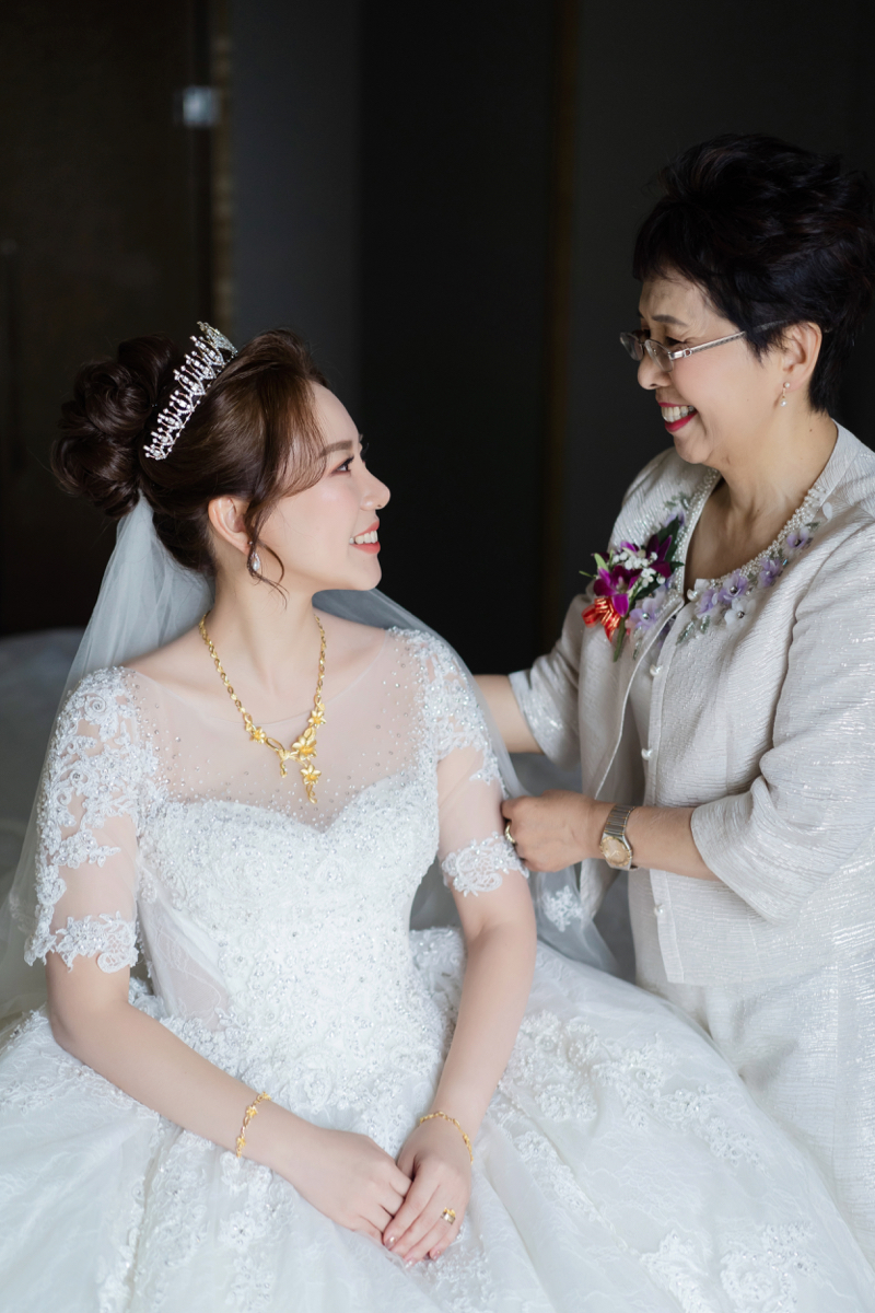 婚攝作品,婚禮攝影,婚禮紀錄,文定儀式,迎娶儀式,類婚紗,新竹喜來登,wedding photos