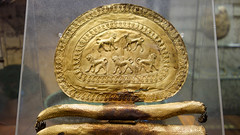 Etruscan fibula, detail with five lions