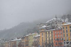 les bulles de Grenoble et quai St Laurent neige