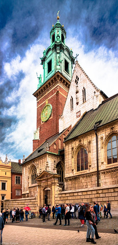 Front and main entrance to the Wawel Cathedral, Wawel Castle, Krakow, Poland.  940-Editp