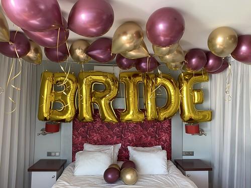 Heliumballonnen en Folieballon Letters Huwelijksaanzoek Delta Hotel Vlaardingen
