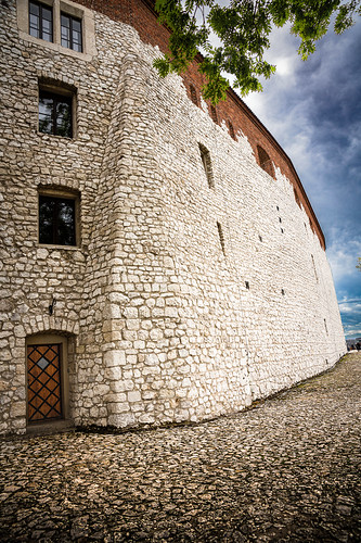 Northwestern external wall of the Wawel Castle, Krakow, Poland.  949-2a