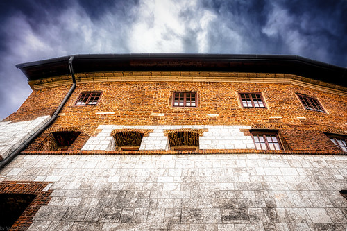 Northwestern external wall of the Wawel Castle, Krakow, Poland.  946-Edita