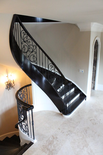 Curved staircase by Andronx