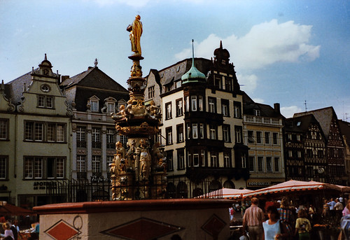 "Trier 1987 (17) Hauptmarkt • <a style=""font-size:0.8em;"" href=""http://www.flickr.com/photos/69570948@N04/50962141187/"" target=""_blank"">View on Flickr</a>"