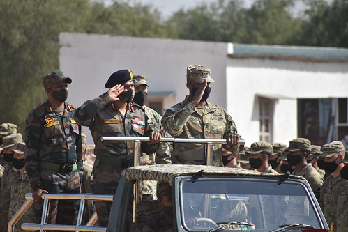US and Indian Commanding Generals review the troops during Yudh Abhyas in Indian