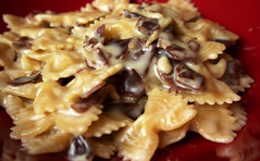 Farfalle (butterflies) with Parma ham and cream