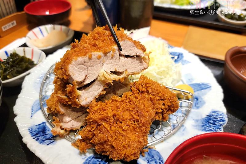 最新推播訊息:這家炸豬排還真的不錯吃!棒腰內豬排雖然是厚切但吃起來口感超嫩