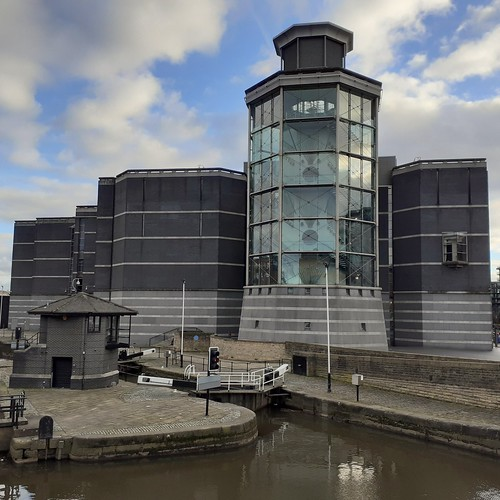 Armouries Museum and Aire and Calder Leeds Lock Leeds Yorkshire